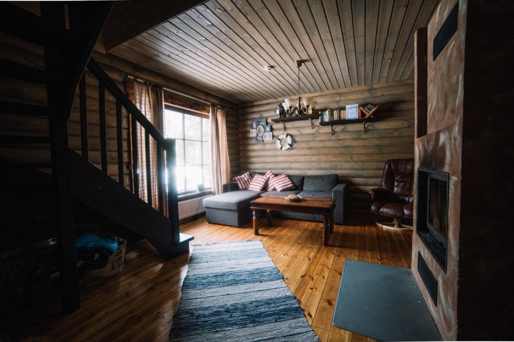 suur saunaga puhkemaja metsamaja
