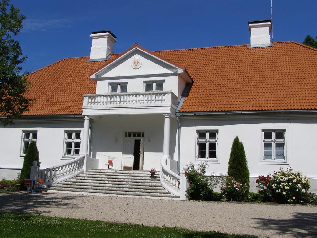 saare mõis lyckholmi muuseum spithami puhkemajad